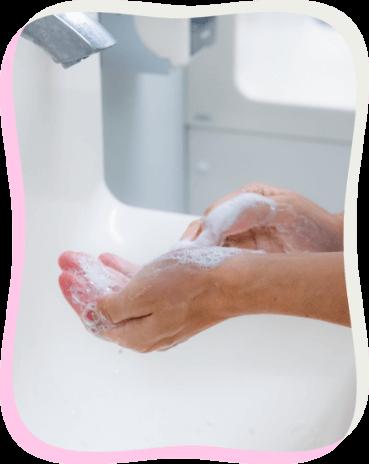 手を洗う画像